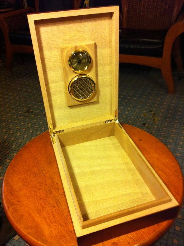 雪茄盒/雪茄箱 (Cigar Humidor)